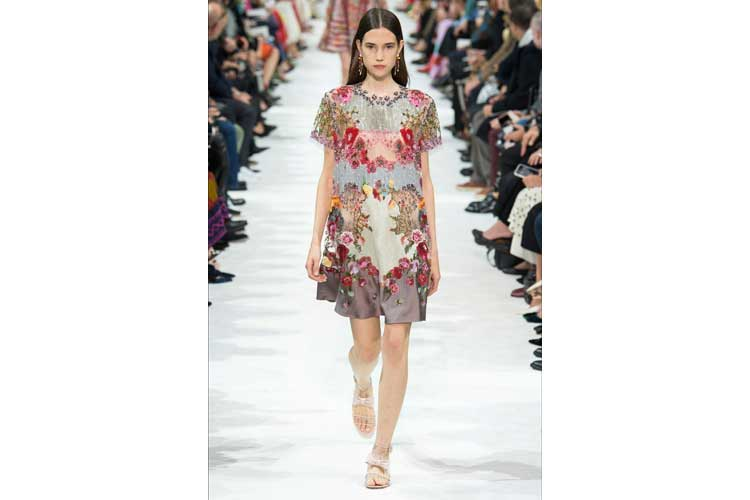 Valentino ss 2018 just like a fantasy20ott17 4